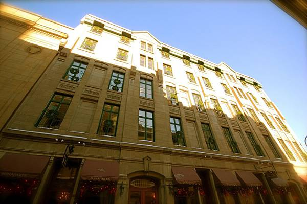 old montreal hotel